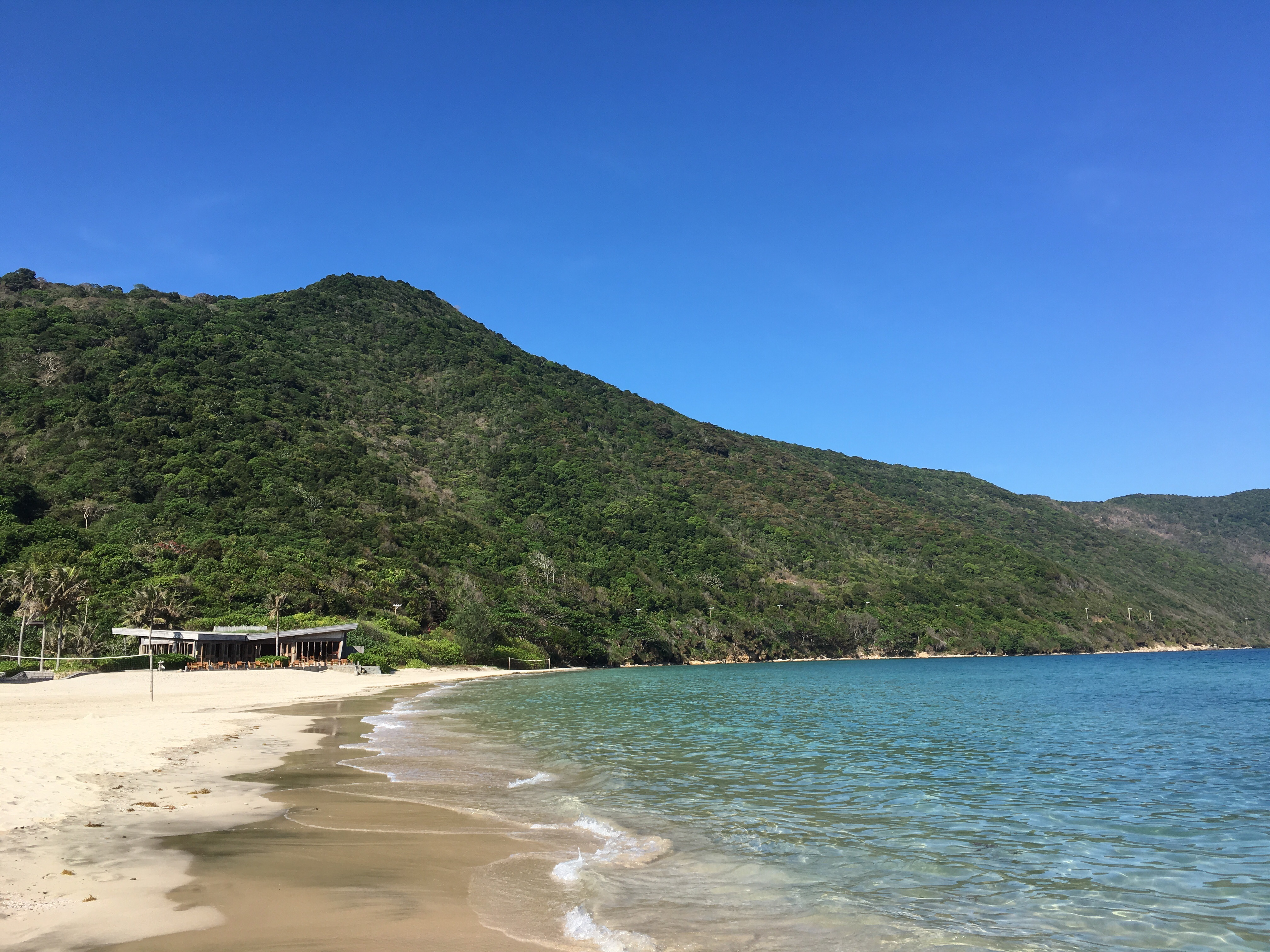 Six senses_mountain_ocean_Con Dao_Vietnam